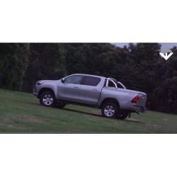 Крышка багажника Tango с дугами  TOYOTA HILUX 15+